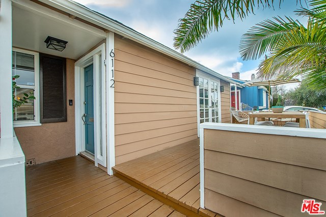 Closed | 6112 W 75Th Place Los Angeles, CA 90045 3