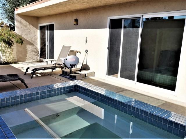 Active Under Contract   80070 Palm Circle  Drive La Quinta, CA 92253 26