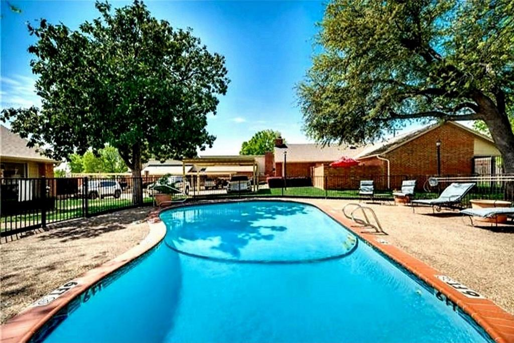 Active | 911 Cedarland Boulevard Arlington, Texas 76011 1