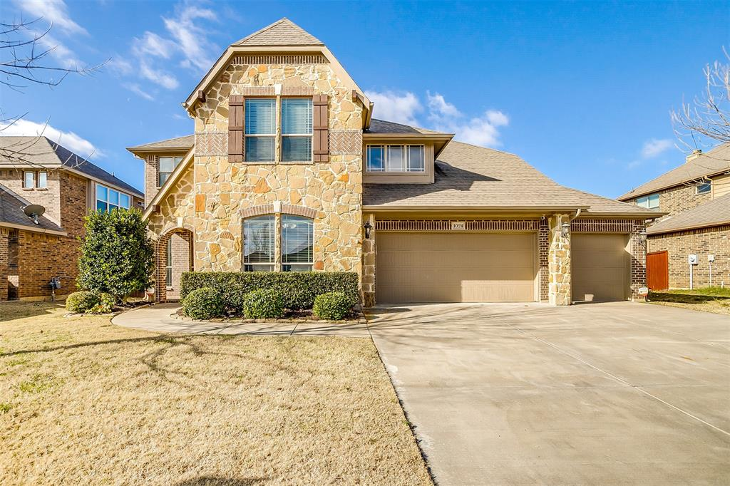 Pending | 1024 Tara Drive Burleson, Texas 76028 2