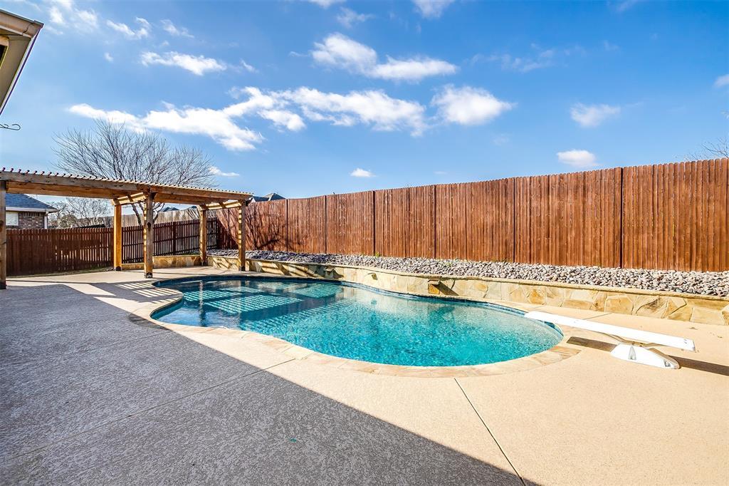 Pending | 1024 Tara Drive Burleson, Texas 76028 32