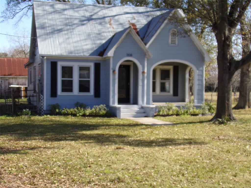 Rustic Home on Acreage for Lease in Sealy | 1108 Silliman Street Sealy, Texas 77474 3