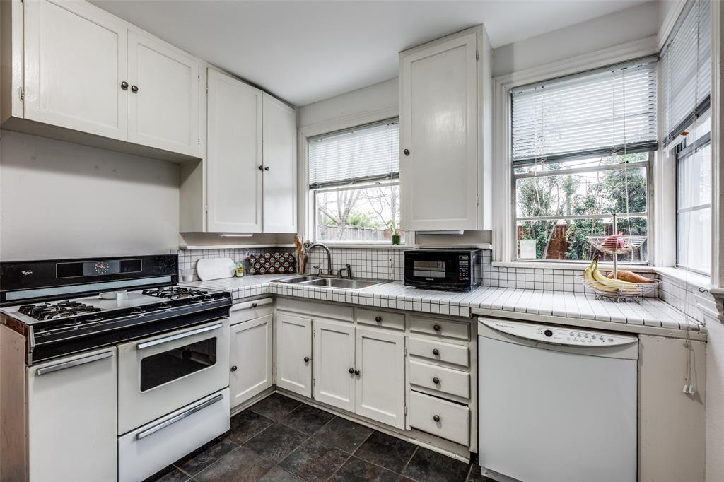 Sold Property | 5111 Pershing Street Dallas, Texas 75206 13