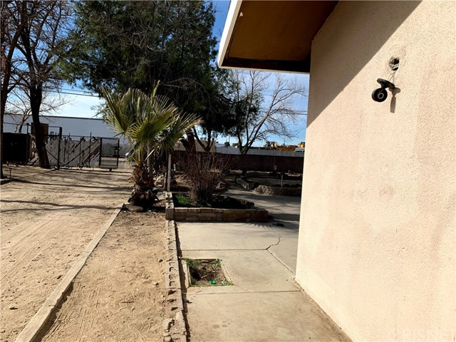 Active   42524 3rd  Street Lancaster, CA 93535 28