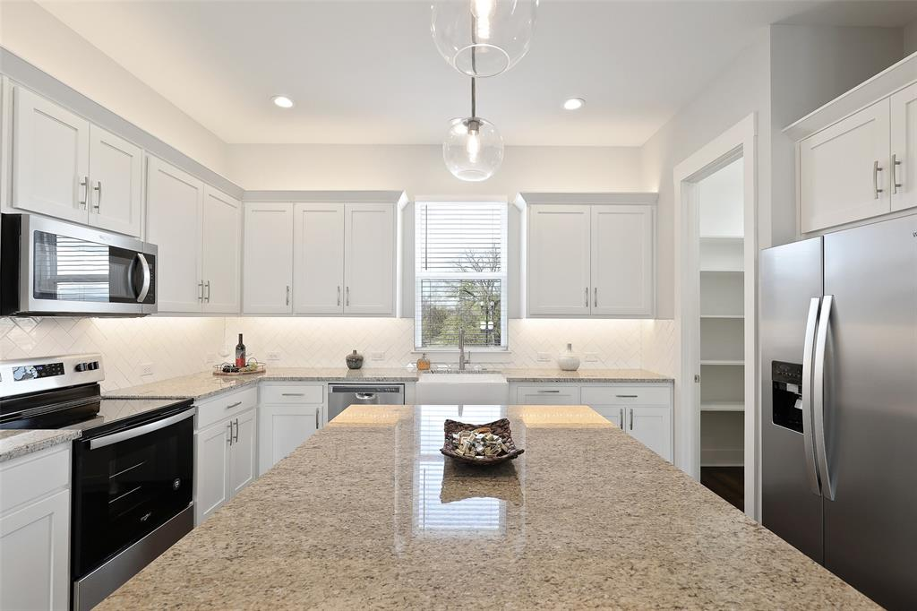 Sold Property   109 W Walters Street Lewisville, Texas 75057 7