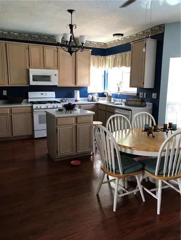 Sold Property | 5204 Alta Vista Lane Arlington, Texas 76017 3