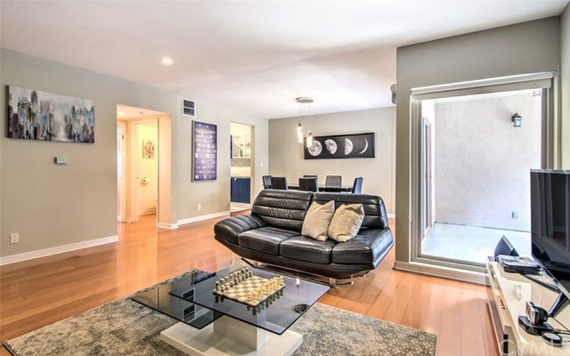Closed | 439 N Doheny  Drive #204 Beverly Hills, CA 90210 4
