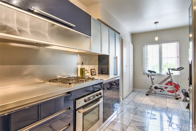 Closed | 439 N Doheny  Drive #204 Beverly Hills, CA 90210 28