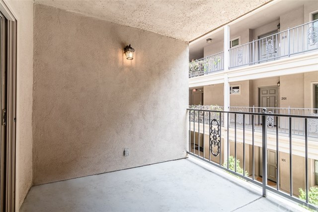 Closed | 439 N Doheny  Drive #204 Beverly Hills, CA 90210 38