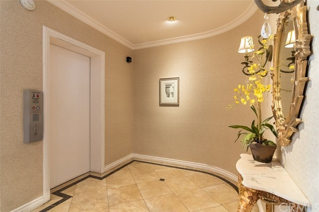 Closed | 439 N Doheny  Drive #204 Beverly Hills, CA 90210 57