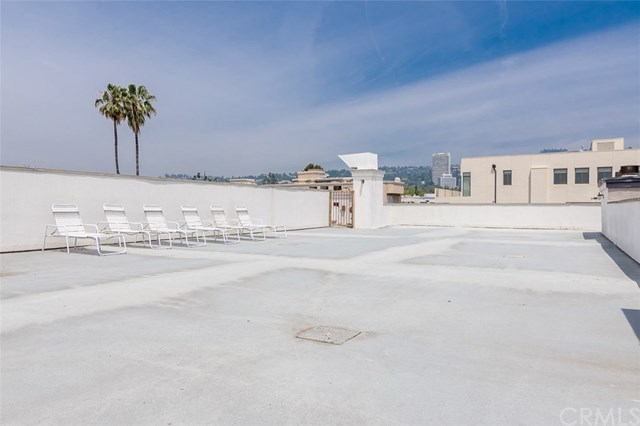Closed | 439 N Doheny  Drive #204 Beverly Hills, CA 90210 75