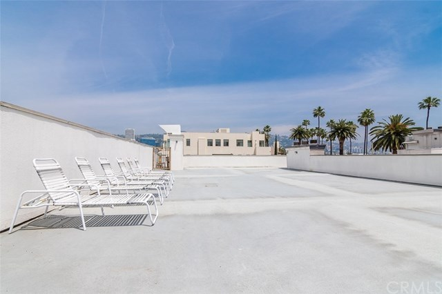 Closed | 439 N Doheny  Drive #204 Beverly Hills, CA 90210 77