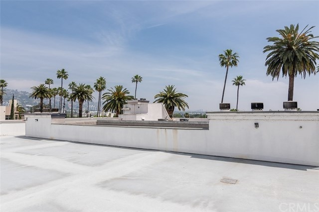 Closed | 439 N Doheny  Drive #204 Beverly Hills, CA 90210 79