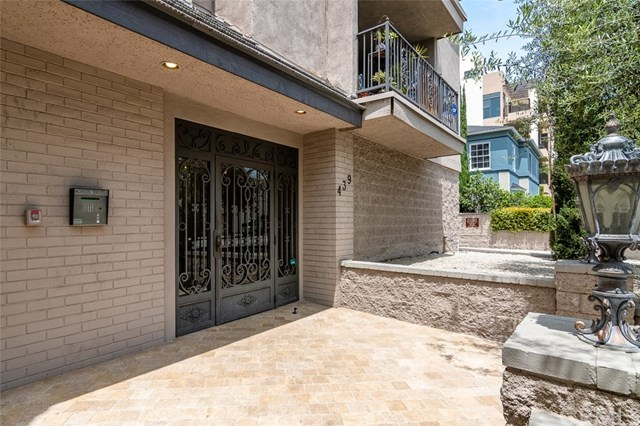 Closed | 439 N Doheny  Drive #204 Beverly Hills, CA 90210 83