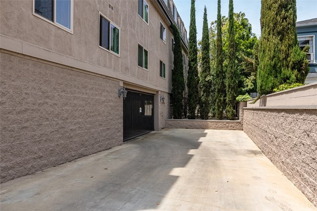 Closed | 439 N Doheny  Drive #204 Beverly Hills, CA 90210 85
