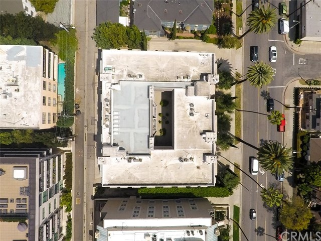 Closed | 439 N Doheny  Drive #204 Beverly Hills, CA 90210 91
