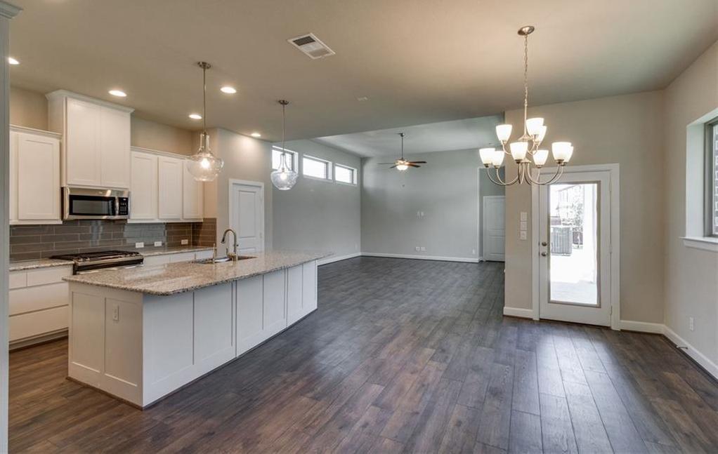 Sold Property | 1812 Roundtree Circle Aledo, Texas 76008 3