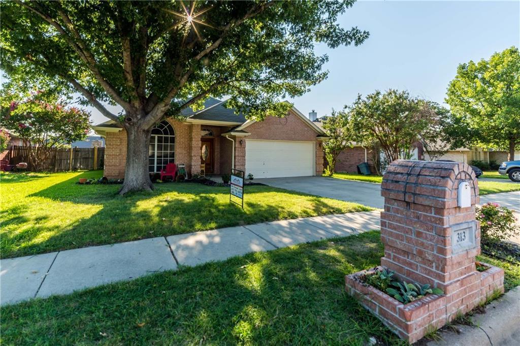 Sold Property | 313 Cindy Lane Saginaw, Texas 76179 3