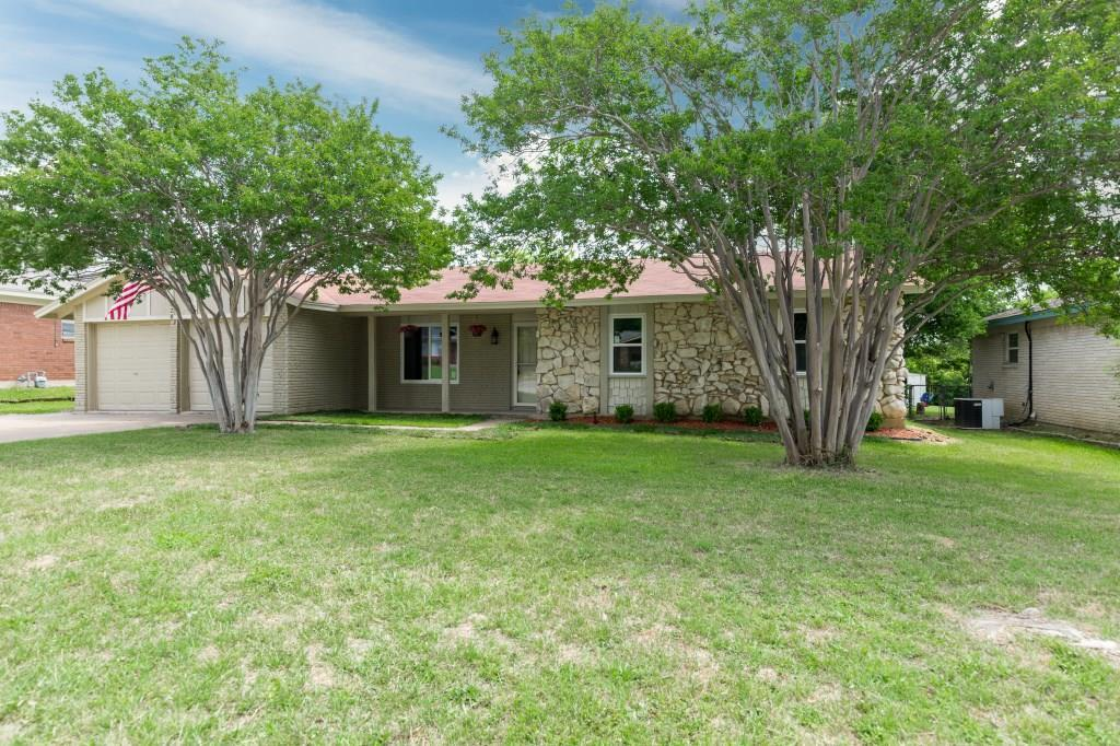 Sold Property | 828 Mccurry Avenue Bedford, Texas 76022 2