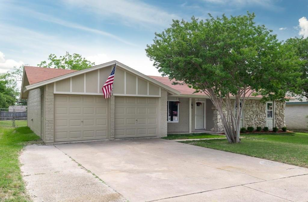 Sold Property | 828 Mccurry Avenue Bedford, Texas 76022 3