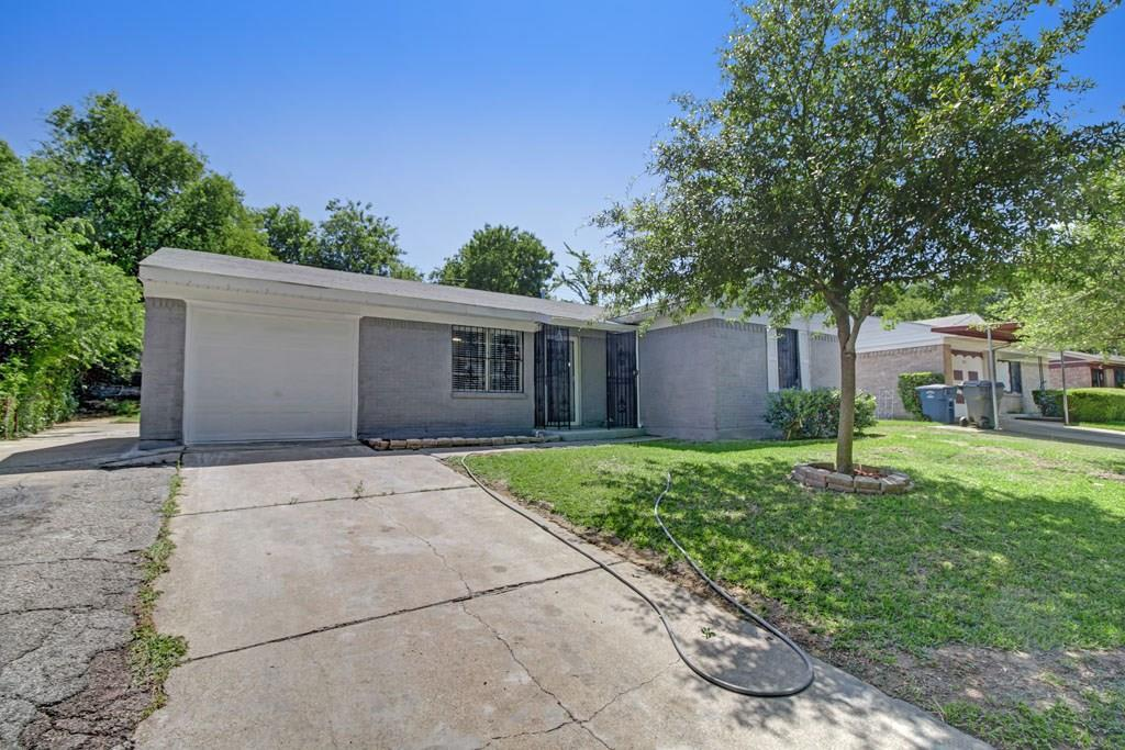 Sold Property | 5808 Bluffman Drive Dallas, Texas 75241 3