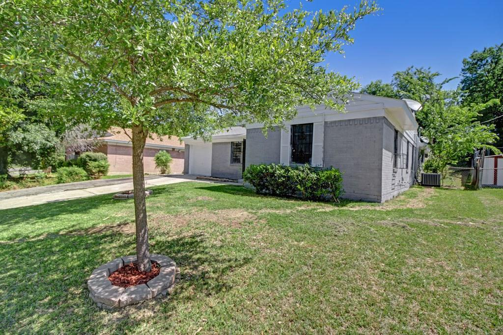 Sold Property | 5808 Bluffman Drive Dallas, Texas 75241 5