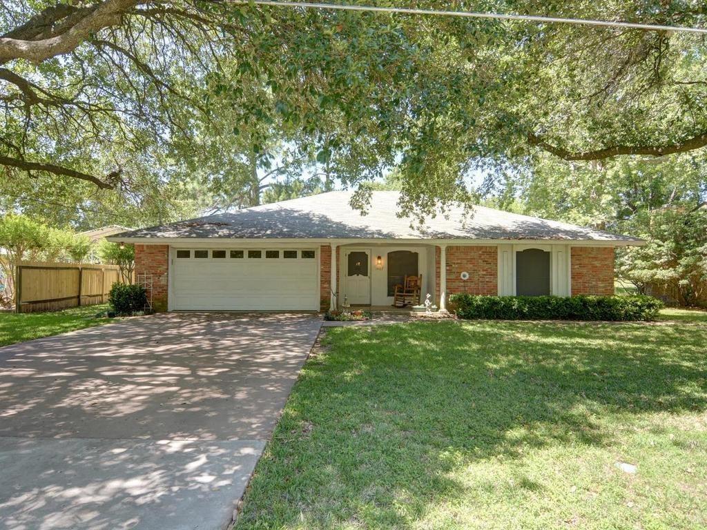 Sold Property | 1407 NE 9th Street Smithville, TX 78957 0