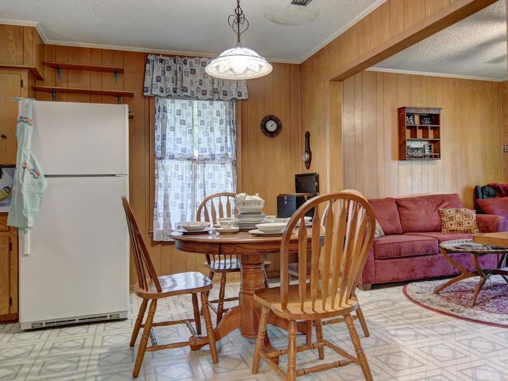 Sold Property | 1407 NE 9th Street Smithville, TX 78957 18