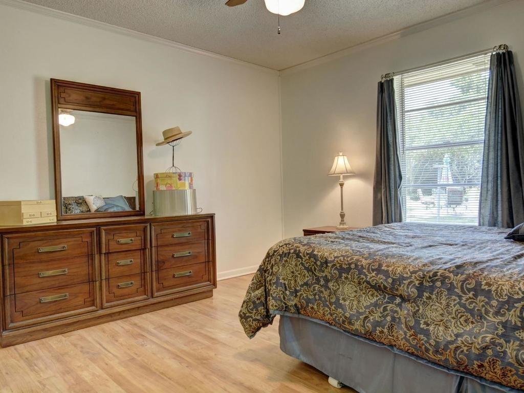 Sold Property | 1407 NE 9th Street Smithville, TX 78957 25