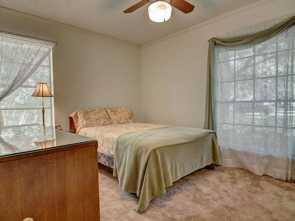 Sold Property | 1407 NE 9th Street Smithville, TX 78957 27