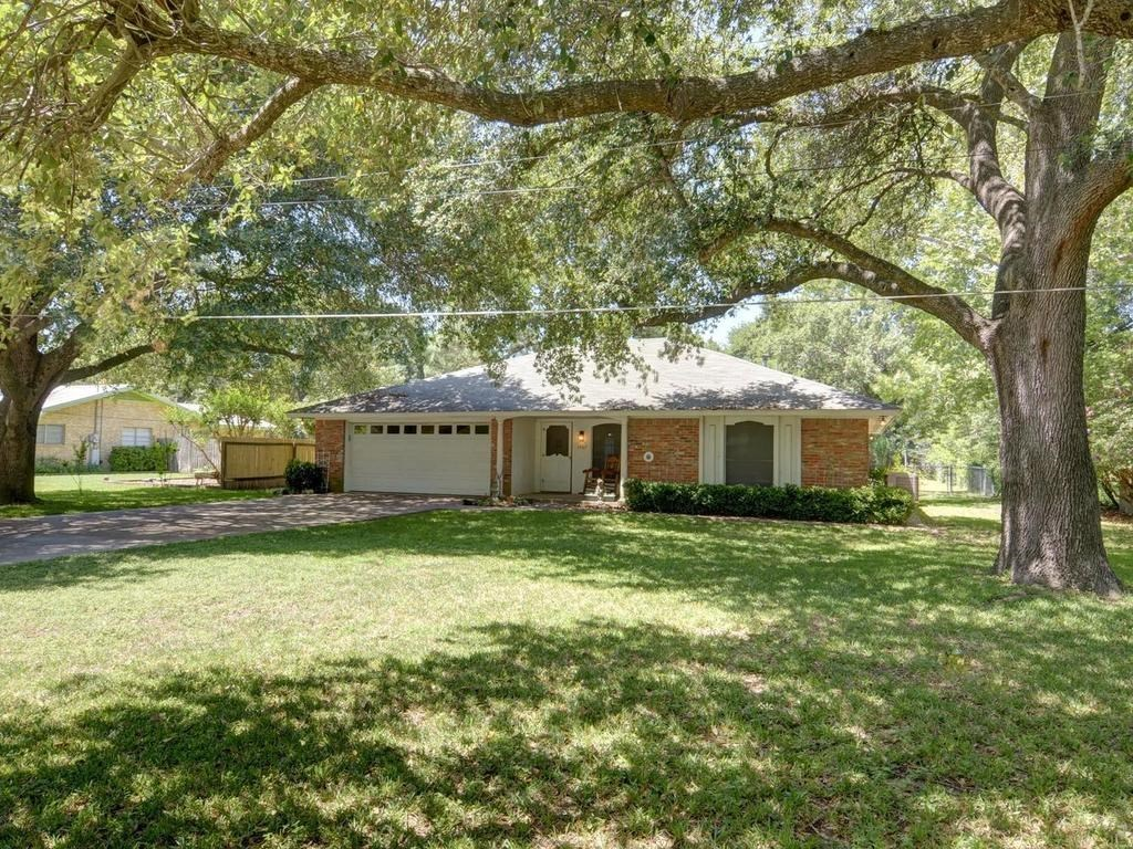 Sold Property | 1407 NE 9th Street Smithville, TX 78957 3