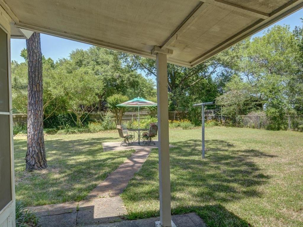 Sold Property | 1407 NE 9th Street Smithville, TX 78957 34