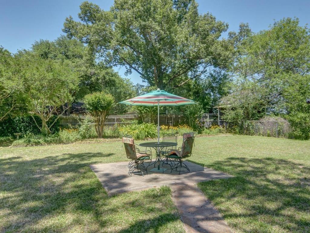 Sold Property | 1407 NE 9th Street Smithville, TX 78957 36