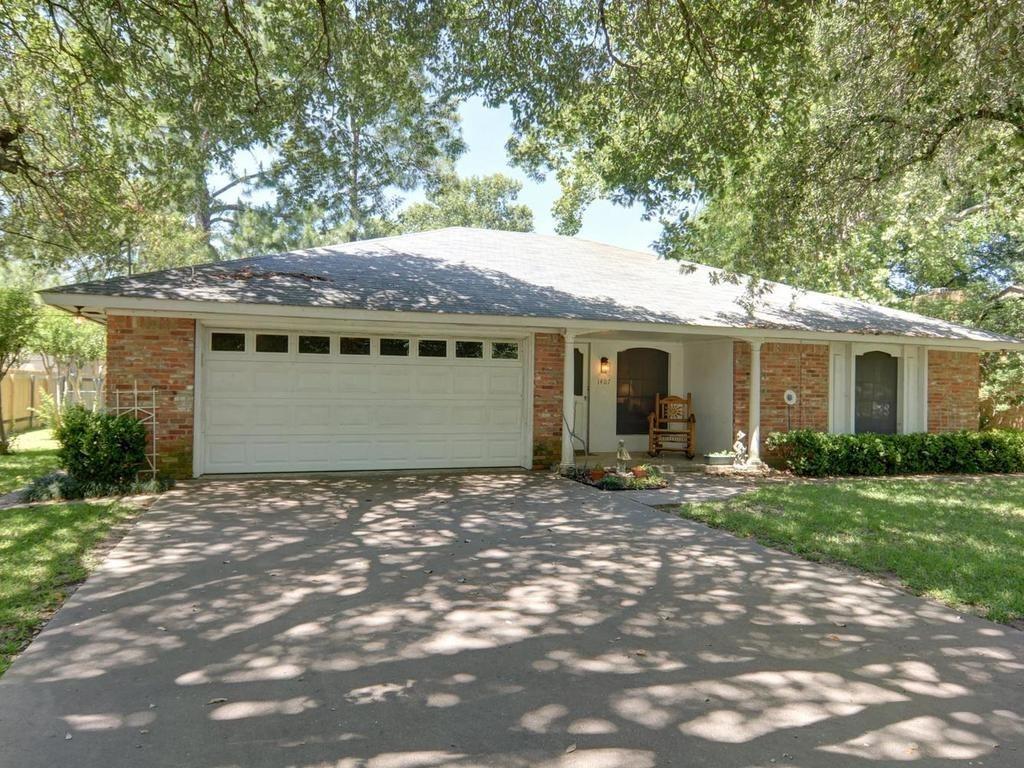 Sold Property | 1407 NE 9th Street Smithville, TX 78957 5