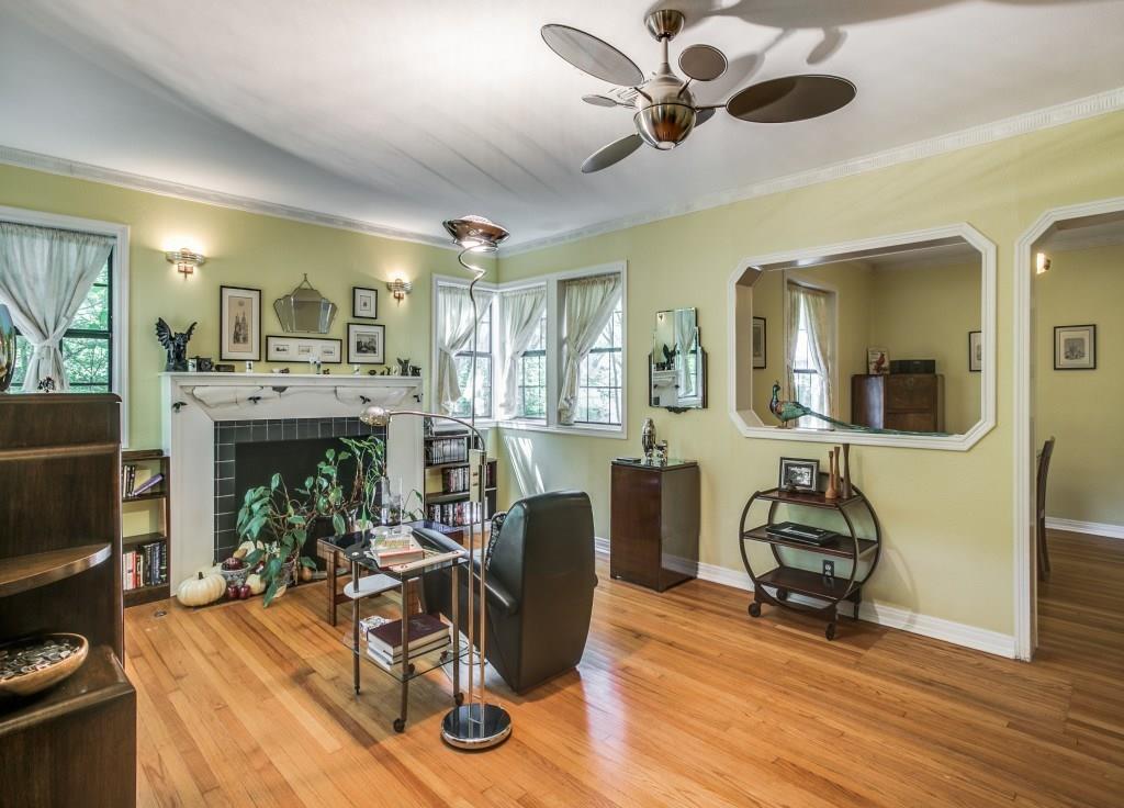 Sold Property | 6427 Vickery Boulevard Dallas, Texas 75214 4
