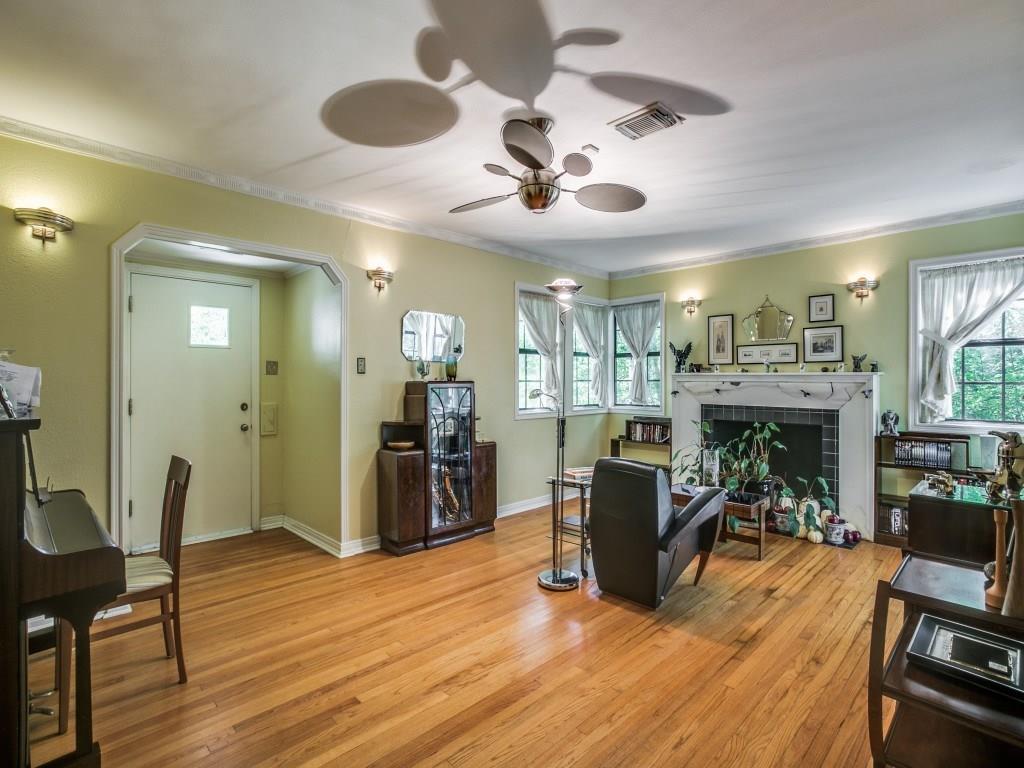 Sold Property | 6427 Vickery Boulevard Dallas, Texas 75214 5