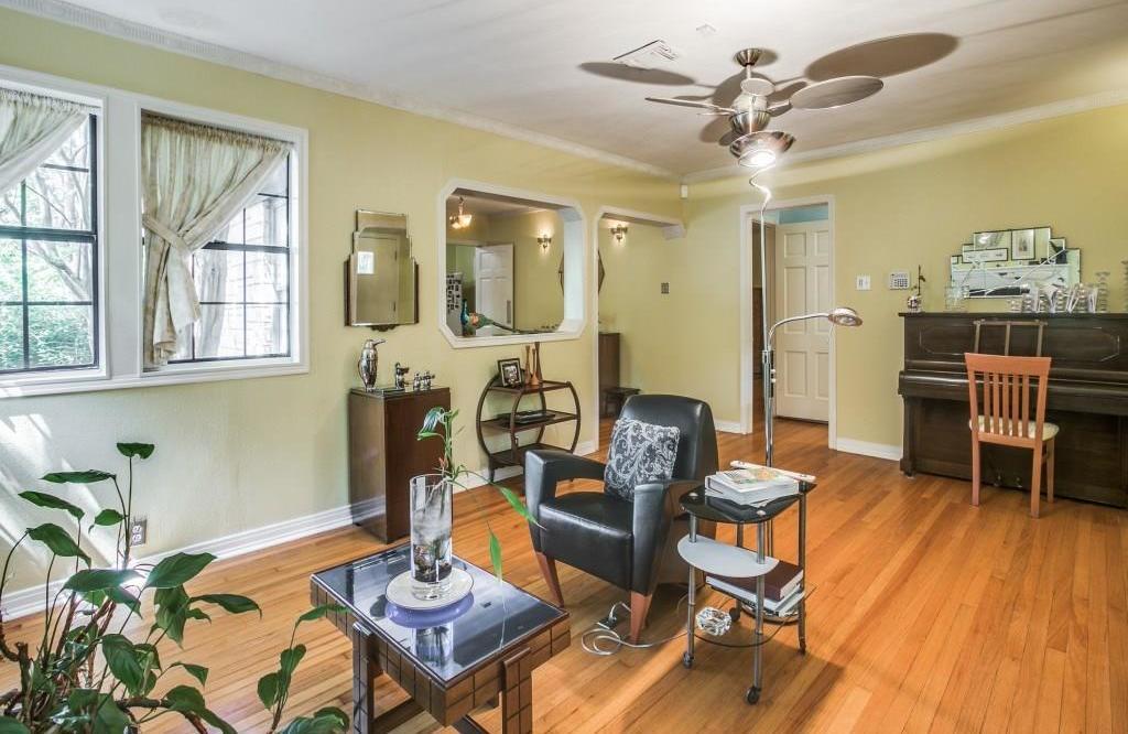 Sold Property | 6427 Vickery Boulevard Dallas, Texas 75214 6