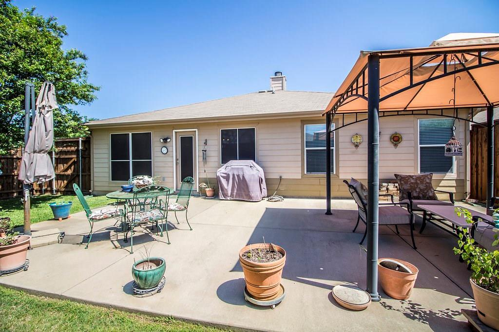 Homes for Sale Anna, TX, 1 story, 4 bedrooms, 2 car garage, great backyard  | 825 Alder Drive Anna, Texas 75409 29