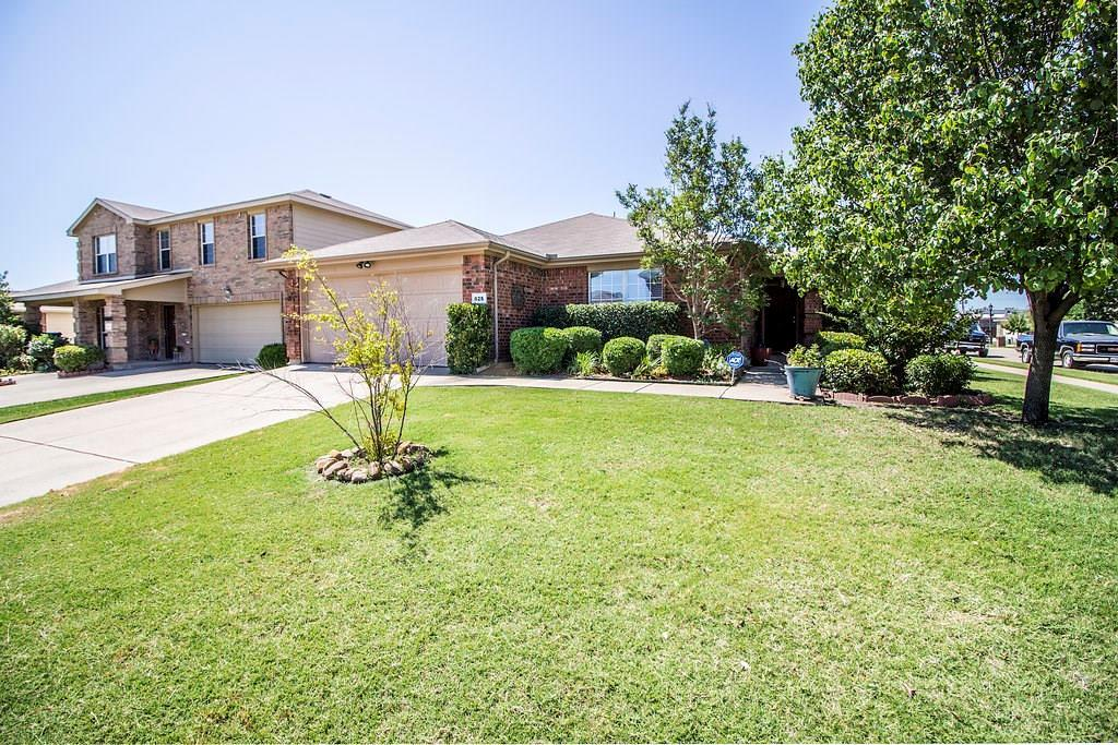 Homes for Sale Anna, TX, 1 story, 4 bedrooms, 2 car garage, great backyard  | 825 Alder Drive Anna, Texas 75409 32