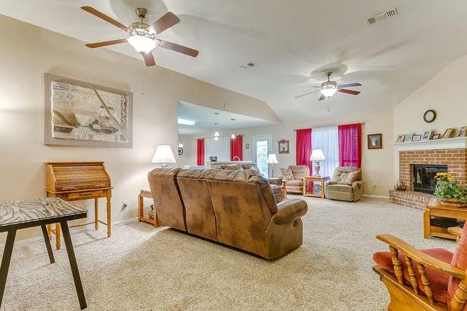 Sold Property   279 Vaden Avenue Burleson, Texas 76028 3