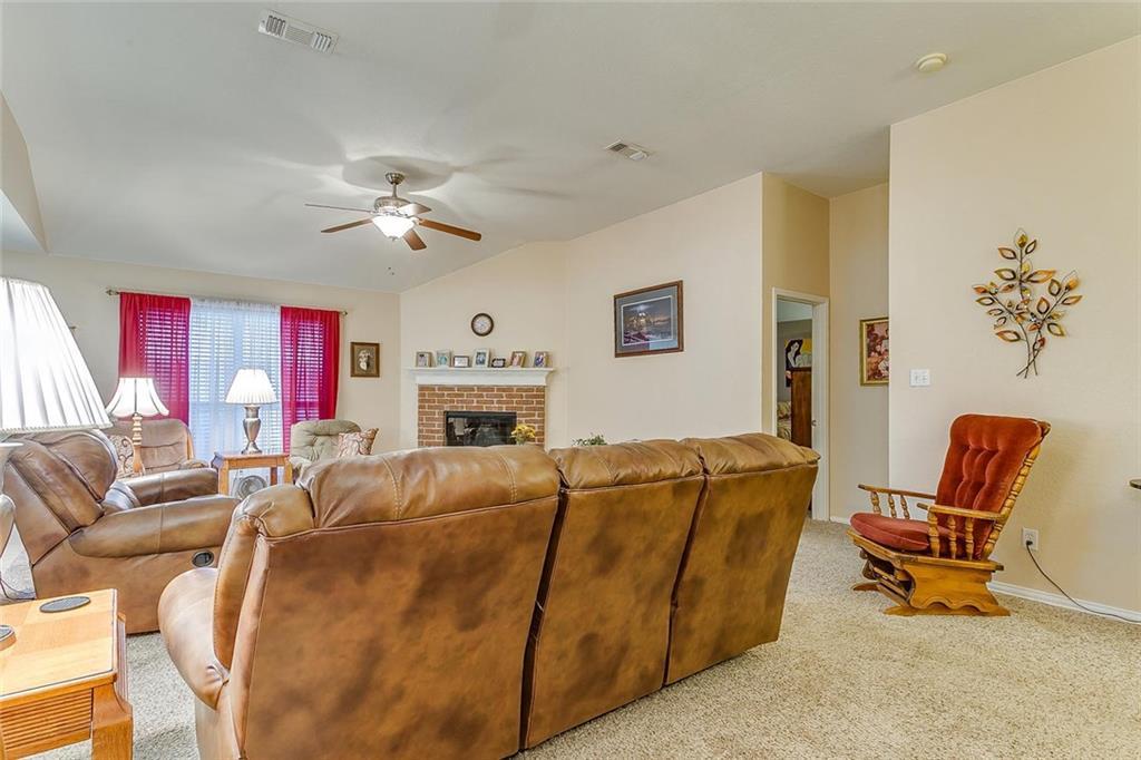 Sold Property   279 Vaden Avenue Burleson, Texas 76028 4