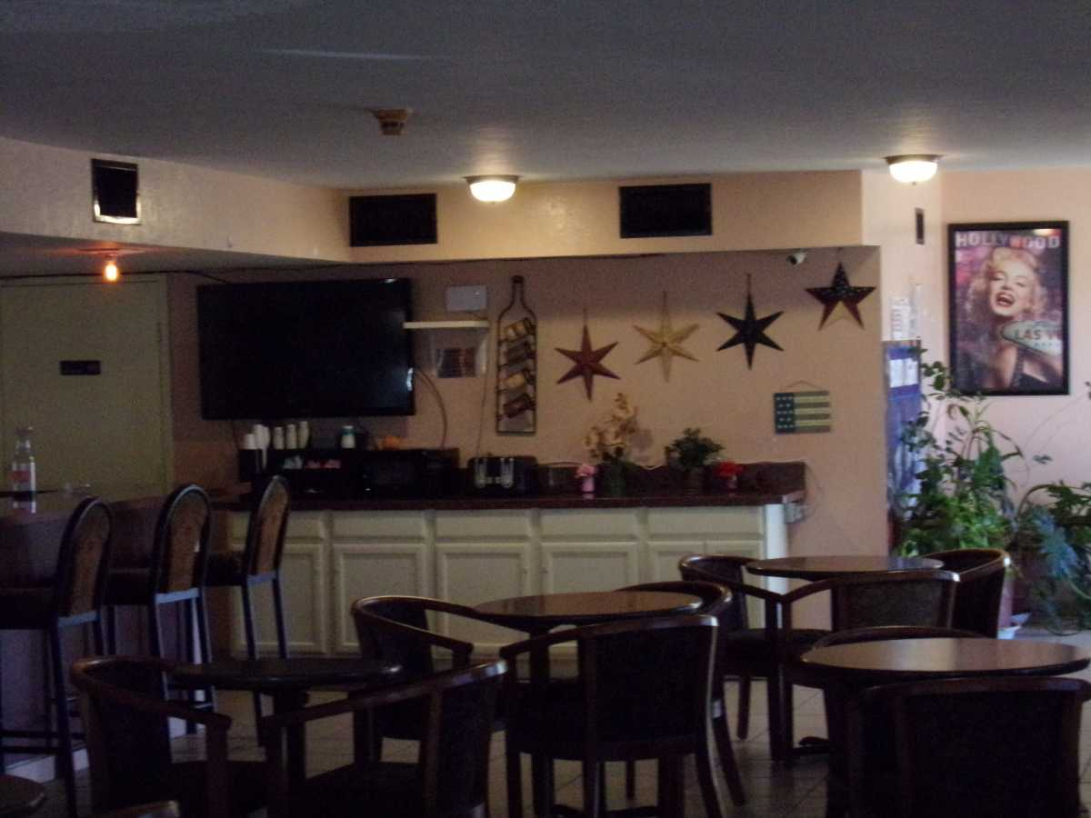 Hotel Bar/Lounge available for lease in Sealy, TX | 2107 Hwy 36 S Sealy, TX 77474 0