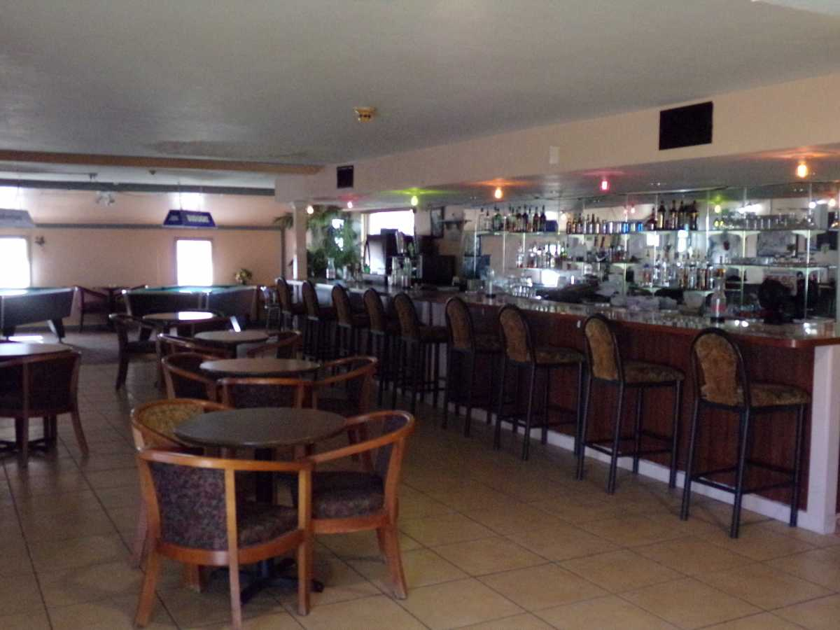 Hotel Bar/Lounge available for lease in Sealy, TX | 2107 Hwy 36 S Sealy, TX 77474 8