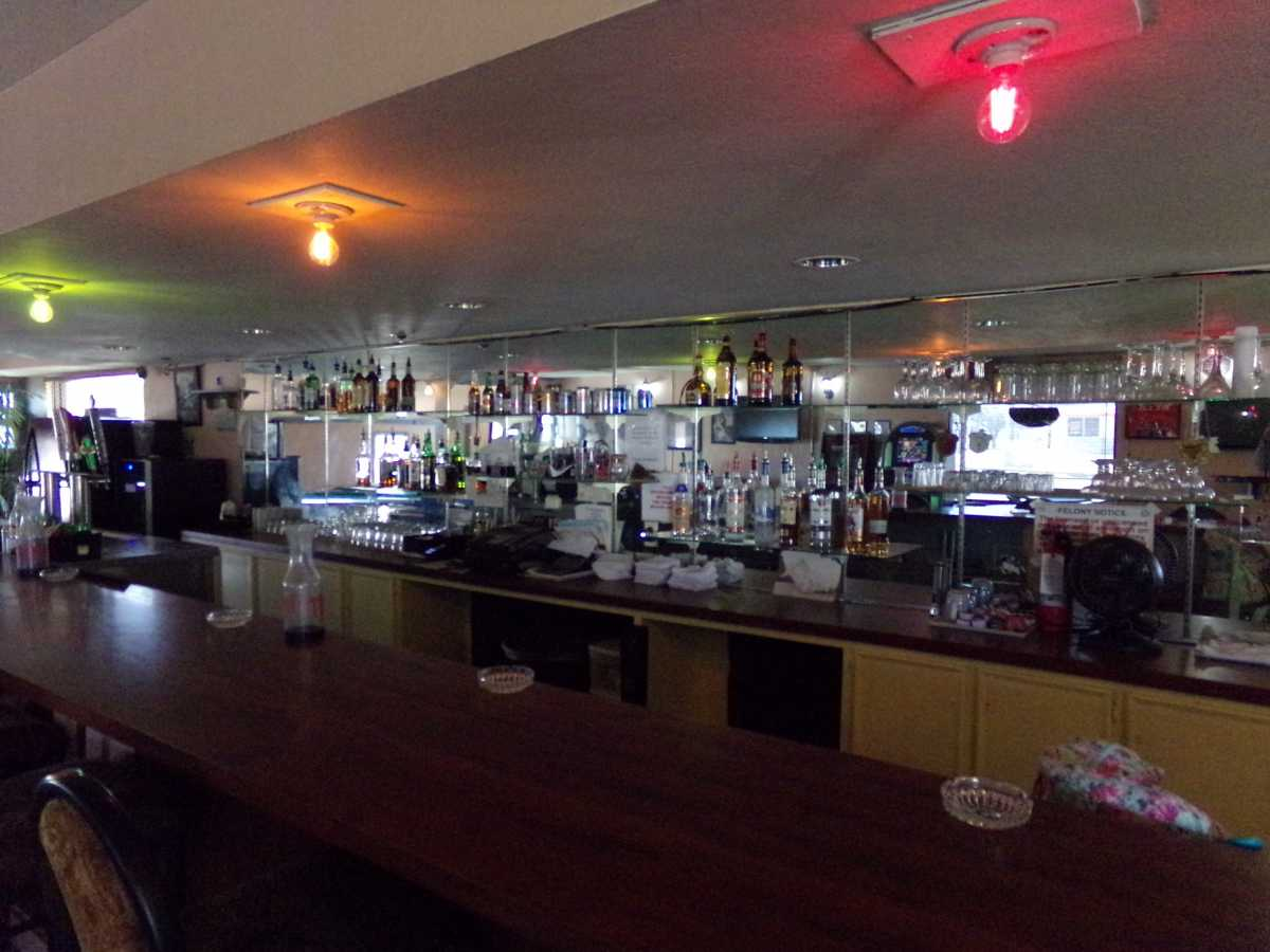Hotel Bar/Lounge available for lease in Sealy, TX | 2107 Hwy 36 S Sealy, TX 77474 9