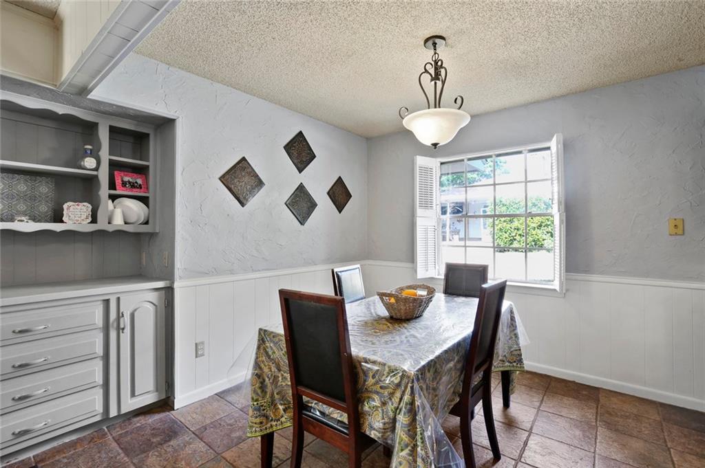 Sold Property   805 E Coral Way Grand Prairie, Texas 75051 12