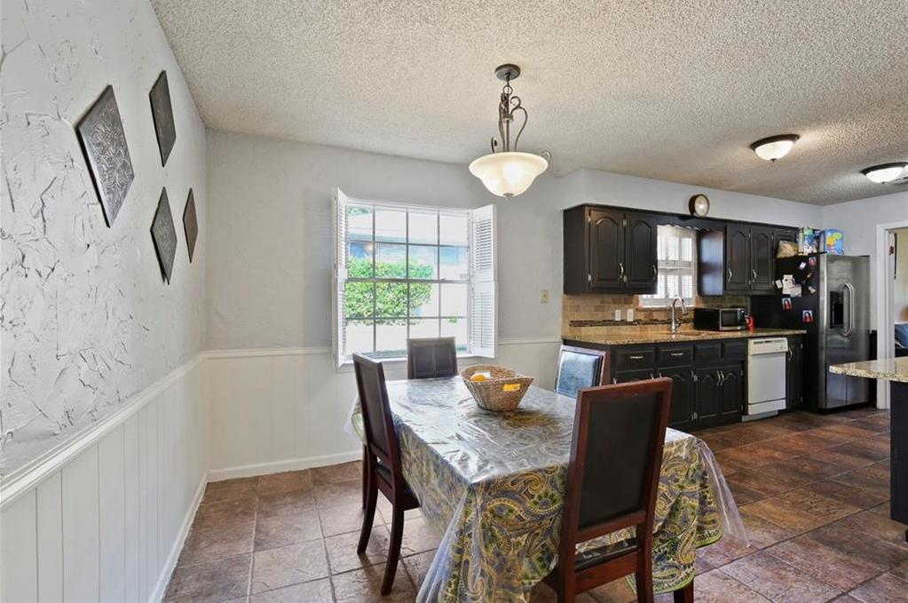 Sold Property   805 E Coral Way Grand Prairie, Texas 75051 13