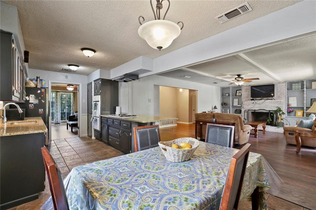 Sold Property   805 E Coral Way Grand Prairie, Texas 75051 14