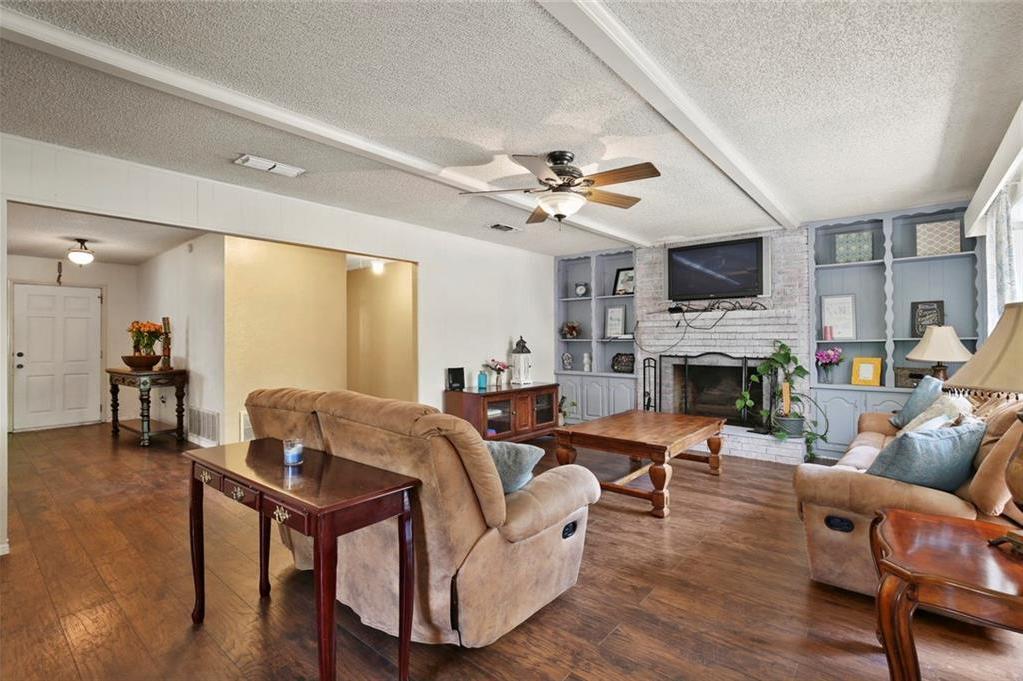 Sold Property   805 E Coral Way Grand Prairie, Texas 75051 15