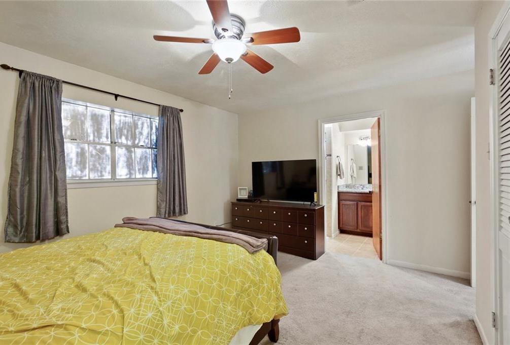 Sold Property   805 E Coral Way Grand Prairie, Texas 75051 21