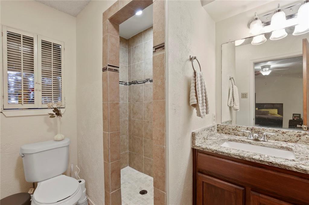 Sold Property   805 E Coral Way Grand Prairie, Texas 75051 23